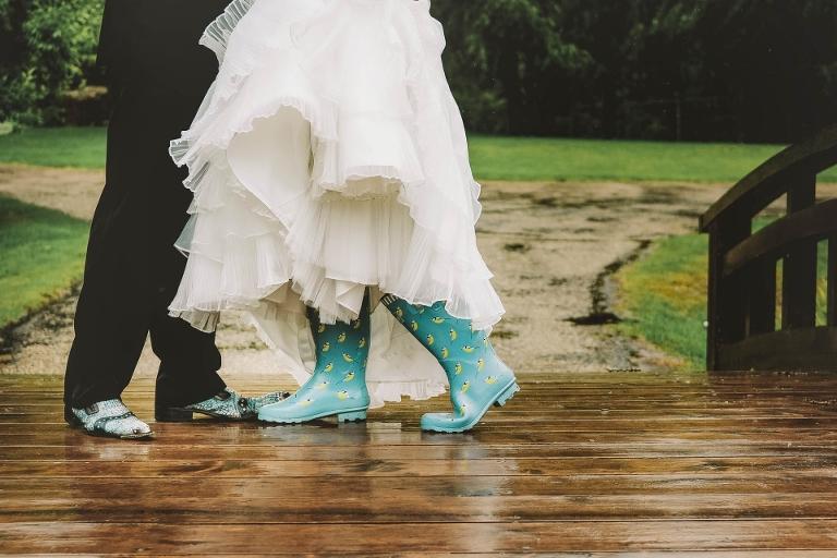 Rainy Edmonton Wedding, wedding planning, Edmonton wedding photographer, Edmonton Wedding planning, wedding dress, rain on wedding day