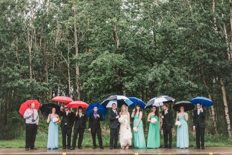 Rainy Edmonton Wedding, wedding planning, Edmonton wedding photographer, Edmonton Wedding planning, wedding dress, rain on wedding day