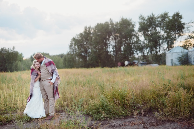 Country,DIY details, Edmonton Wedding Photography, Edmonton Wedding Photographers, Edmonton Wedding photos, Rustic Wedding Edmonton, Barn Wedding Edmonton, Invitations, Heartfelt homestyle wedding, Haybales and quilts , Lawn games Weddings